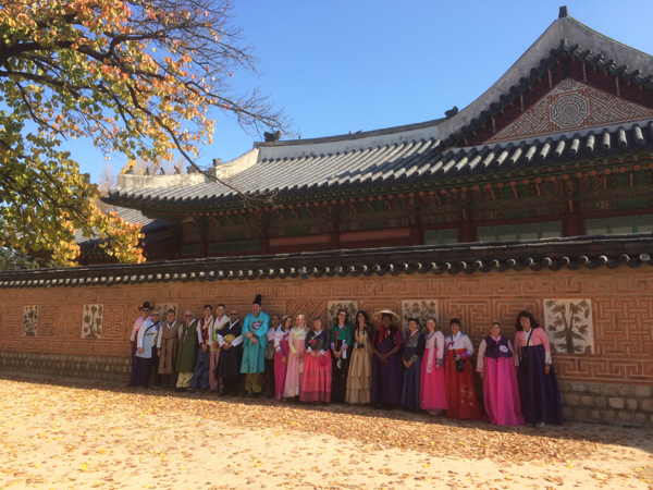 Free Royal Palace visit wearing Hanbok