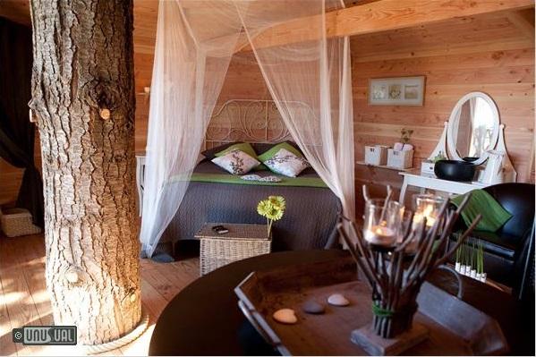 Cabanes als arbres treehouses in spain - Casas en los arboles girona ...