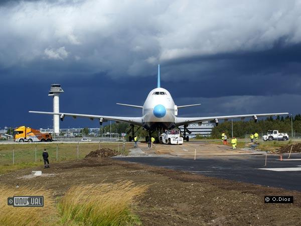 Sleep in a jumbo jet at arlanda airport for Hotel arlanda airport sweden