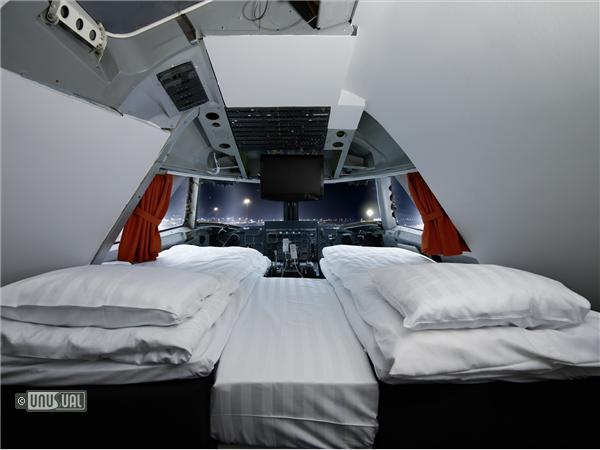 Sleep in a Jumbo Jet at Arlanda airport B2 Cockpit Panorama