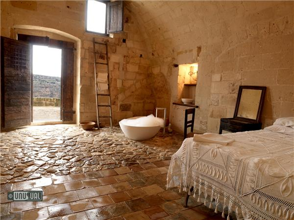 Sextantio restored caves in southern italy by unusual for Hotel design italia