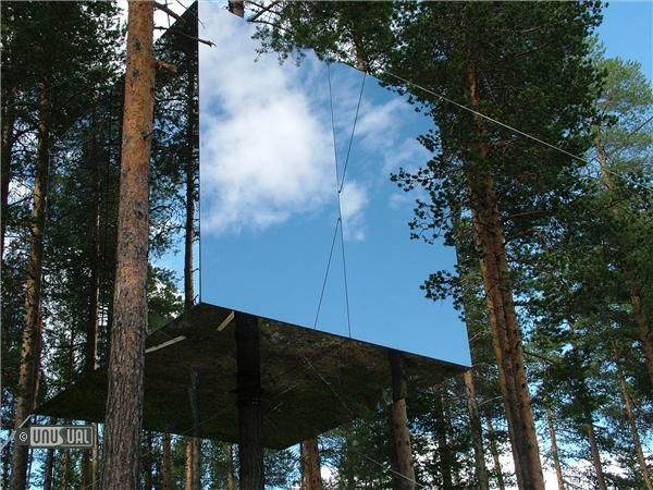 treehotel in harads sweden by unusual hotels of the world. Black Bedroom Furniture Sets. Home Design Ideas